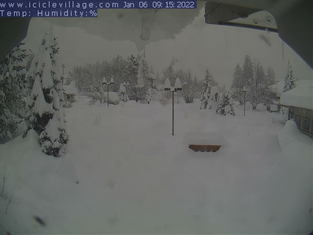 Click for a larger web cam image of the Junction web cam at the Icicle Village Resort in Leavenworth Washington